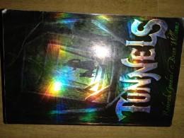 Tunnels/ Roderick gordon & Brian Williams